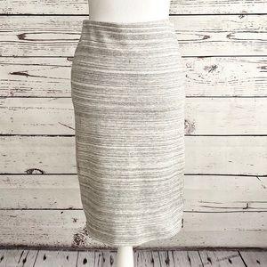 Loft Pull On Stretch Gray White Pencil Skirt SZ S